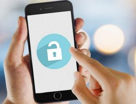 Программы для взлома смартфонов закупают школы